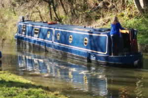 Sailing down the Kennet and Avon canal
